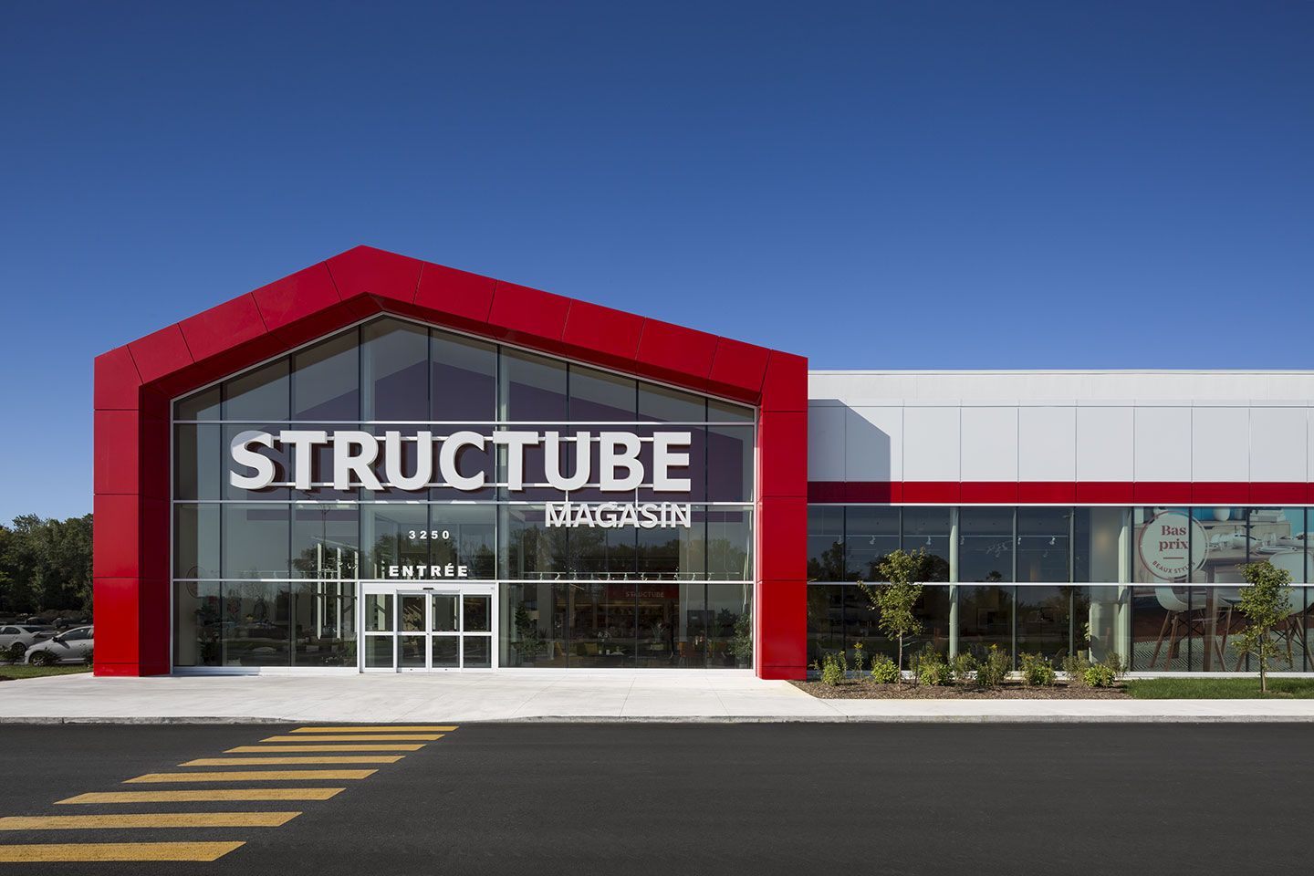 Structube, centre de distribution